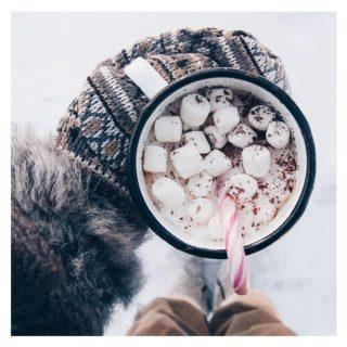 Jsou tu mezi vámi milovníci kávy? ☕️ Nebo horké čokolády? Všimli jste si, že máme na recepci nový kávovar! Dejte vědět, jak se vám líbí. // Any coffee lovers here? Or chocolatte lovers? Have you noticed our new coffee machine ať the reception? Let is know How you like it! ❤️😋 . #coffeelovers #cacaolovers #bezkavyaniranu #cofeinismylove #sugarismydrug  . #kampuspalace #student #ostrava #ostravalife #ostravskauniverzita #vysokaskolabanska #zijtamkdetozije