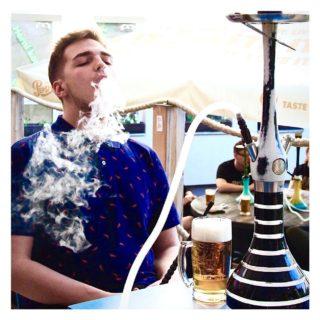 👋🏼 Tak co Kampusáci, jaký byl váš víkend? Pokud byl pro někoho náročný, přijdte si odpočinout k našim sousedům Czech Hookah Club.🔥 Čeká na vás velký vyběr tabáků a drinků. 🍹 Neváhejte dorazit a zahájit váš úspěšný start týdne. 😊 // 👋🏼 How was your weekend Kampusak? If it was challenging, come and relax with our neighbors Czech Hookah Club. 🔥 A large selection of tobaccos and drinks awaits you. 🍹 Feel free to arrive and start your successful start of the week. 😊  .  #ostravalife #peopleofkampuspalace #studentlife  . #dvoranavkampuspalace #jsmedvorana #kampuspalace #czechhookahclub #sisha #relax #drink #student #ostrava #zijtamkdetozije